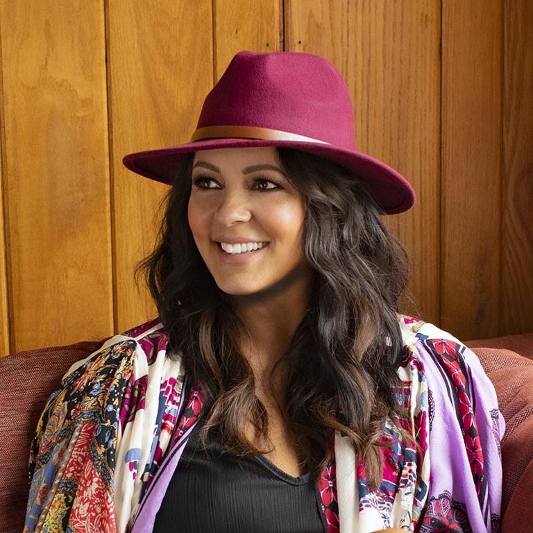 Multi-Platinum selling artist Sara Evans